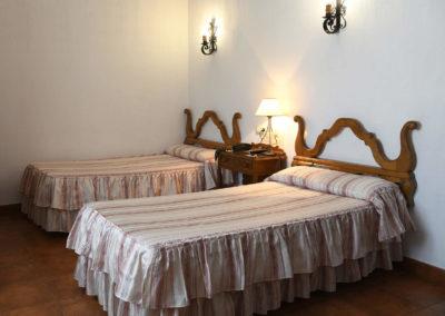hotel-casa-acacio-san-clemente-cuenca-habitacion5-doble-supletoria-02