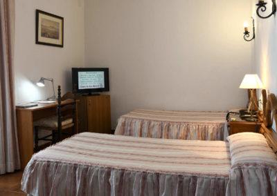 hotel-casa-acacio-san-clemente-cuenca-habitacion5-doble-supletoria-03