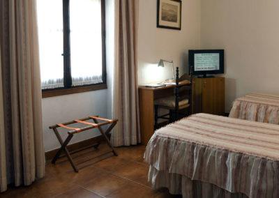 hotel-casa-acacio-san-clemente-cuenca-habitacion5-doble-supletoria-04