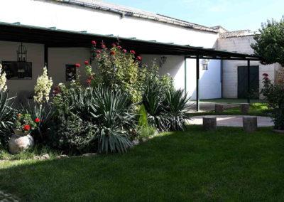 hotel-casa-acacio-san-clemente-cuenca-jardin-03