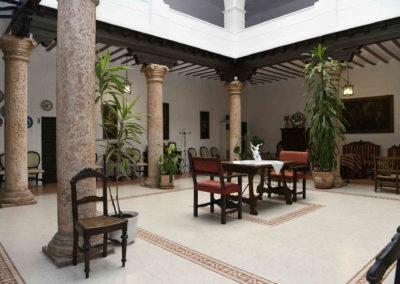 hotel-casa-acacio-san-clemente-cuenca-patio-interior-07