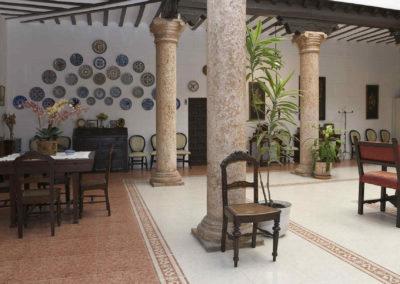 hotel-casa-acacio-san-clemente-cuenca-patio-interior-08