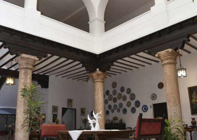 hotel-casa-acacio-san-clemente-cuenca-patio-interior-09