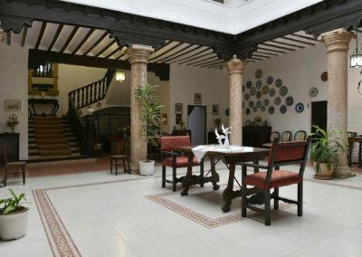 hotel-casa-acacio-san-clemente-cuenca-patio-interior-10