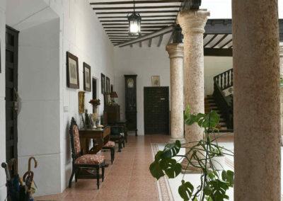 hotel-casa-acacio-san-clemente-cuenca-patio-interior-12