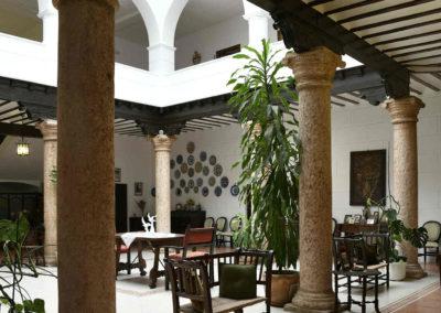 hotel-casa-acacio-san-clemente-cuenca-patio-interior-14