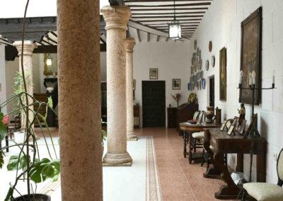hotel-casa-acacio-san-clemente-cuenca-patio-interior-19