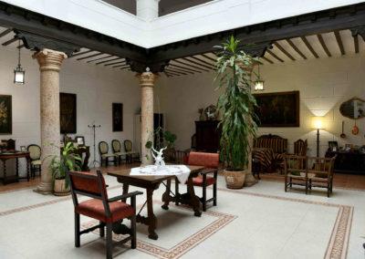 hotel-casa-acacio-san-clemente-cuenca-patio-interior-29