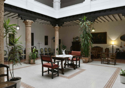 hotel-casa-acacio-san-clemente-cuenca-patio-interior-32