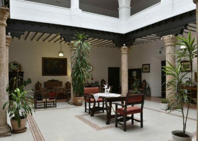 hotel-casa-acacio-san-clemente-cuenca-patio-interior-33