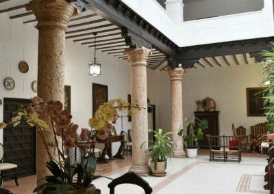 hotel-casa-acacio-san-clemente-cuenca-patio-interior-34