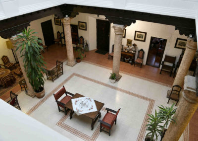 hotel-casa-acacio-san-clemente-cuenca-patio-interior-35